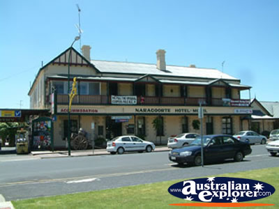 Naracoorte Hotel-motel . . . VIEW ALL NARACOORTE PHOTOGRAPHS