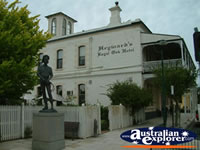 Penola Royal Oak Hotel . . . CLICK TO ENLARGE