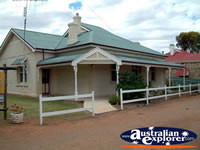 Orroroo Nanas Home B & B Entrance . . . CLICK TO ENLARGE