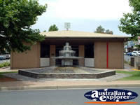 Loxton Library And Fountain . . . CLICK TO ENLARGE