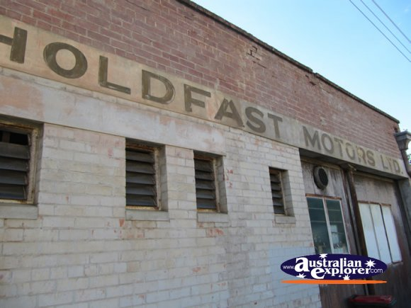 Holdfast Motors . . . CLICK TO VIEW ALL GLENELG POSTCARDS