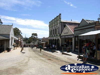 Ballarat Sovereign Hill Main Street . . . CLICK TO VIEW ALL BALLARAT POSTCARDS
