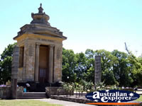 Colac Memorial . . . CLICK TO ENLARGE