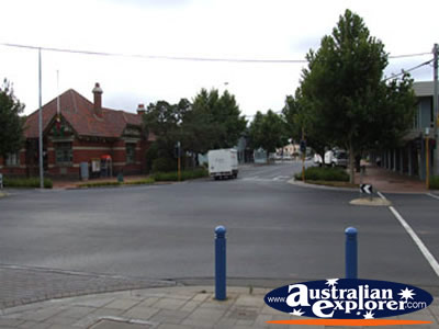 Werribee Street and Shops . . . CLICK TO VIEW ALL WERRIBEE POSTCARDS