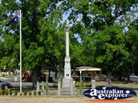 Creswick War Memorial . . . CLICK TO ENLARGE