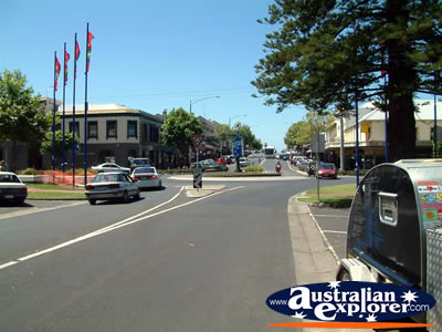 Warnambool Street . . . CLICK TO VIEW ALL WARNAMBOOL POSTCARDS