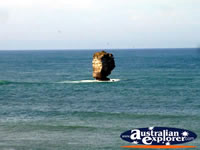 Victoria's Great Ocean Road Bay of Islands . . . CLICK TO ENLARGE