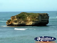 Great Ocean Road's Bay of Islands . . . CLICK TO ENLARGE