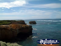 Picturesque scenery of Great Ocean Road Bay of Islands . . . CLICK TO ENLARGE
