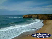London Bridge in Great Ocean Road Beach . . . CLICK TO ENLARGE
