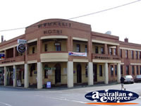 Kyneton Niwmarkit Hotel . . . CLICK TO ENLARGE
