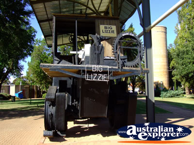 4wd Car Rental >> TRACTION ENGINE NAME BIG LIZZIE IN RED CLIFFS PHOTOGRAPH, TRACTION ENGINE NAME BIG LIZZIE IN RED ...