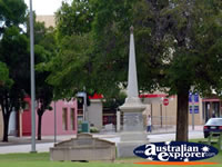 Memorial in Swan Hill . . . CLICK TO ENLARGE