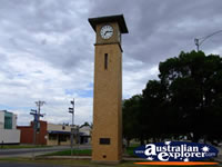 Swan Hill Clock . . . CLICK TO ENLARGE