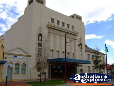 Swan Hill Town Hall . . . VIEW ALL SWAN HILL PHOTOGRAPHS