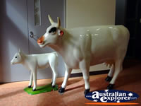 Shepparton Cow Figurines . . . CLICK TO ENLARGE