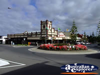 Wonthaggi Street Roundabout . . . CLICK TO ENLARGE