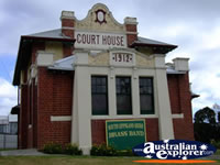 Leongatha Old Courthouse . . . CLICK TO ENLARGE