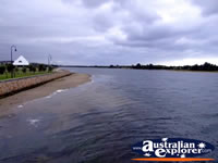 Lakes Entrance Waterfront . . . CLICK TO ENLARGE