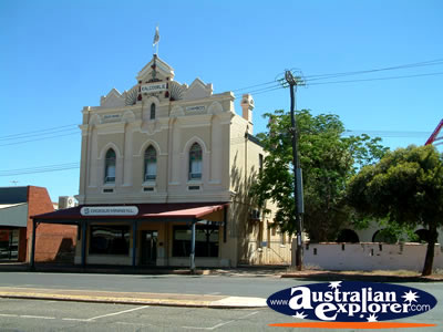 Kalgoorlie Roads Board Chambers . . . CLICK TO VIEW ALL KALGOORLIE POSTCARDS