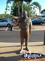 Memorial Statue in Broome . . . CLICK TO ENLARGE