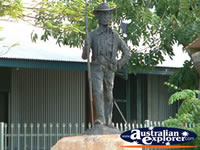 Halls Creek Statue . . . CLICK TO ENLARGE